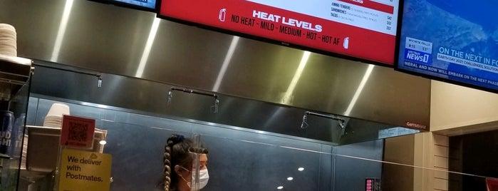 Hot Chicks Nashville Hot Chicken is one of Restaurants To Try - Dallas.