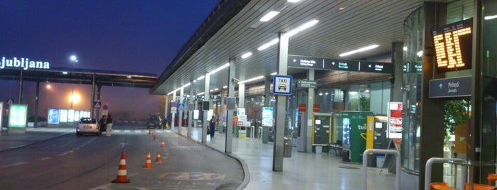 Aeropuerto de Liubliana Jože Pučnik (LJU) is one of Airports Europe.