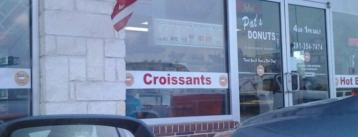 Pat's Donuts is one of Locais curtidos por Rita.