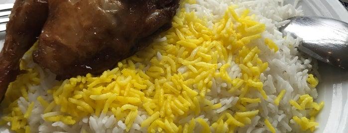 رستوران اکبر جوجه - برادران کلبادی |  Akbar Joojeh Restaurant is one of Hamilton 님이 좋아한 장소.