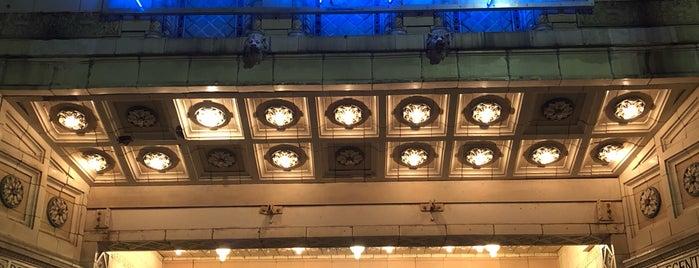 Kelly Strayhorn Theater is one of Madeline 님이 좋아한 장소.
