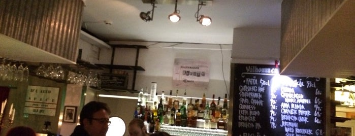Pub 19 is one of Hanna Victoria : понравившиеся места.