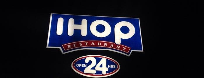 IHOP is one of สถานที่ที่บันทึกไว้ของ Raul.