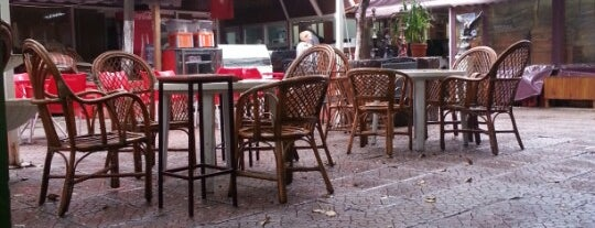 Huzur Cafe is one of สถานที่ที่ Hülya ถูกใจ.