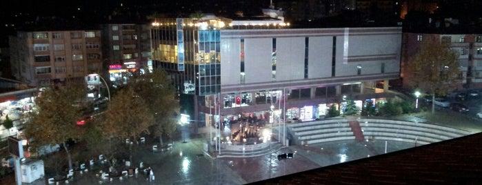 Misak-ı Milli Meydanı is one of Posti che sono piaciuti a Simge.