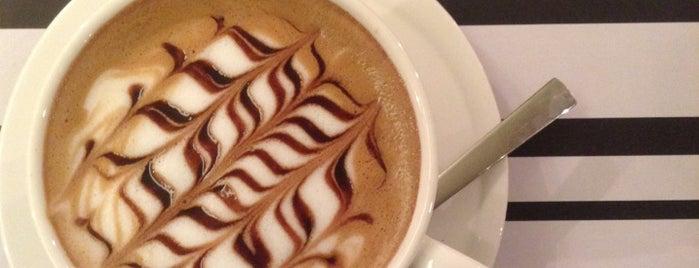Joe's Cafe is one of Lieux qui ont plu à ساره ج..