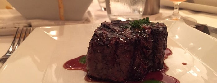 Alexander's Steakhouse is one of Lieux sauvegardés par squeasel.