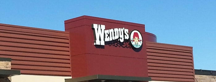 Wendy's is one of Locais curtidos por Alfa.