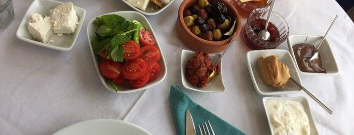 Yeniköy Lokantası is one of Posti salvati di Eleonora.