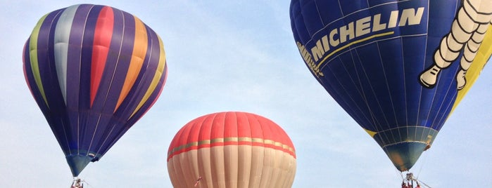 Putrajaya International Hot Air Balloon Fiesta is one of สถานที่ที่บันทึกไว้ของ Mazran.