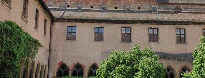 Musée d'Unterlinden is one of Colmar sarapp yolu.