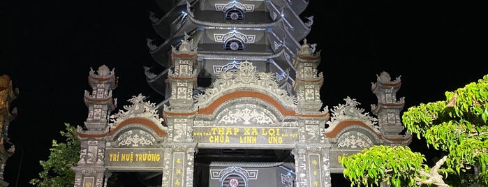 Chùa Linh Ứng (Linh Ung Pagoda) is one of Follow me to go around Asia.