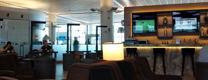 Plaza Premium Lounge is one of Lugares favoritos de Juan jo.