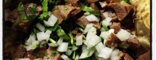 Tacos Luis is one of Tempat yang Disimpan Karen 🌻🐌🧡.
