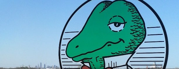 Winking Lizard Tavern is one of Where in the World (To Drink).