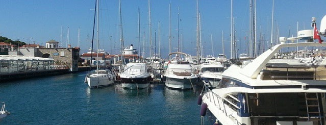 Nashira Yachting is one of ;).