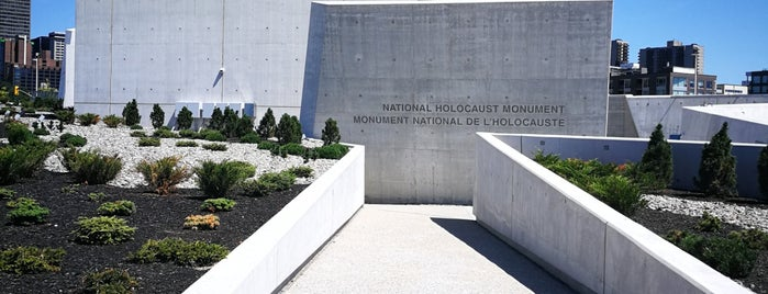 National Holocaust Memorial is one of สถานที่ที่ Migue ถูกใจ.