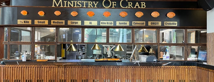 Ministry Of Crab is one of Mumbai food.