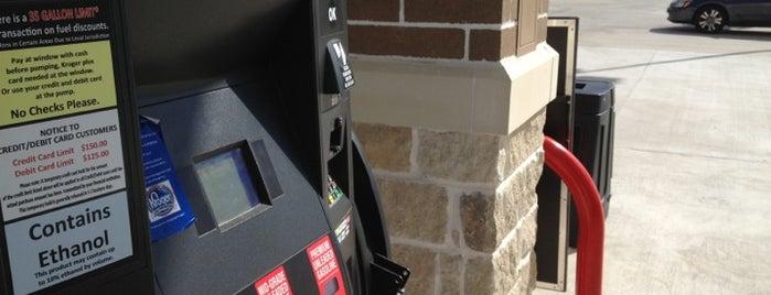 Kroger Fuel Center is one of Lugares favoritos de Nathan.