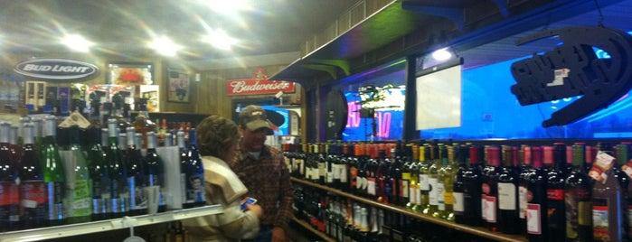 Bottle Shop is one of Tempat yang Disimpan SLICK.