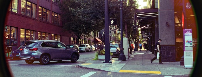 Pearl District is one of Portland, OR.