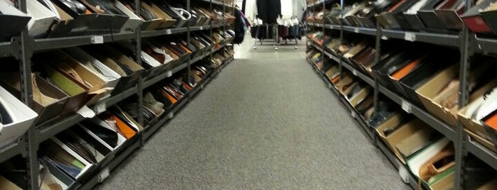 Nordstrom Rack Bergen Town Center is one of Catieさんのお気に入りスポット.