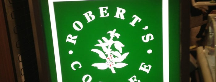 Robert's Coffee is one of Zeynep 님이 좋아한 장소.