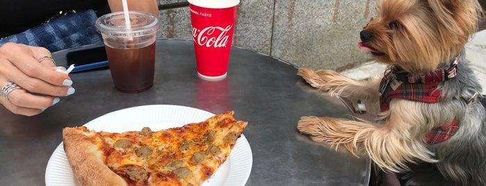 Pizza Slice & Soda Fountain is one of Lugares favoritos de モリチャン.