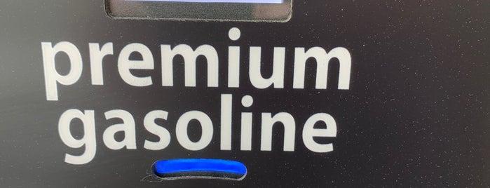 Costco Gasoline is one of Lugares favoritos de Social.