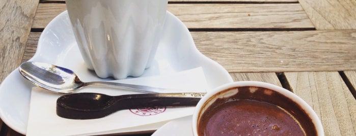 Kahve Dünyası is one of Tempat yang Disukai S..