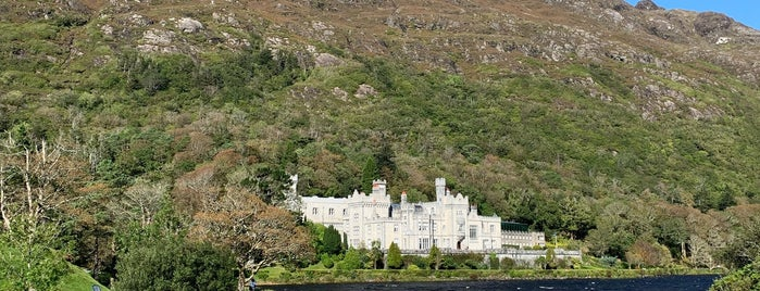 Kylemore Abbey is one of To-visit in Ireland.