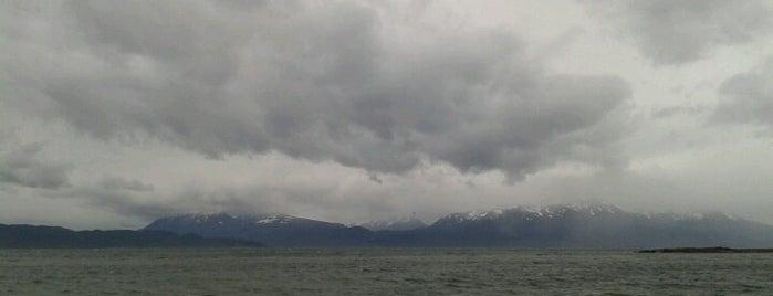 Bahía Cauquén is one of Patagonia (AR).