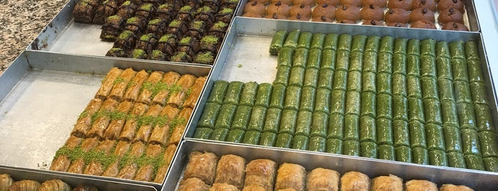 fatih baklava ve su böregi is one of Orte, die Mennan gefallen.