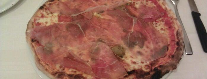 "Pizzeria ""La Grotta"" is one of Jimena : понравившиеся места."