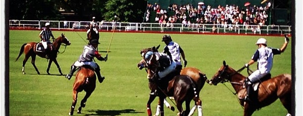 Campo Argentino de Polo is one of Lugares favoritos de Maru.