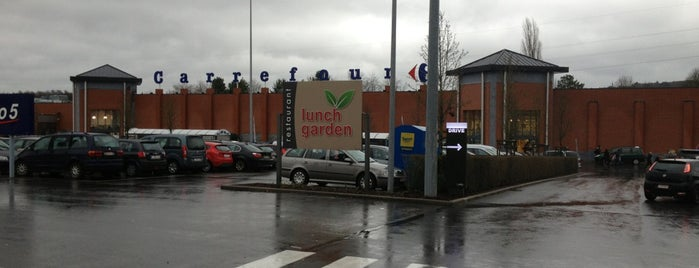 Carrefour hypermarché is one of Lieux qui ont plu à Mathieu.