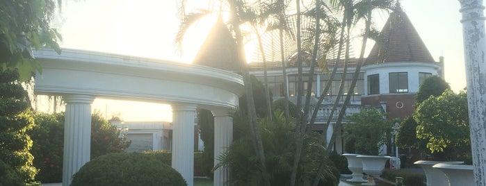 Bãi Biển Đồ Sơn is one of Masahiro : понравившиеся места.