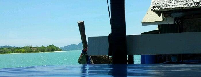 แพครูวิทย์ @แหลมหิน is one of Phuket.