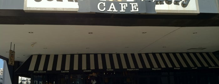 Corner Bakery Cafe is one of Lugares favoritos de Ray.