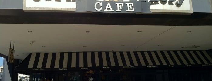 Corner Bakery Cafe is one of Locais curtidos por Ray.