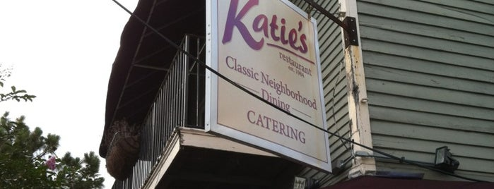 Katie's Restaurant & Bar is one of Lieux sauvegardés par Adam.