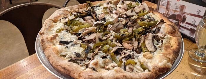 Piante Pizzeria is one of Tempat yang Disukai Sara.