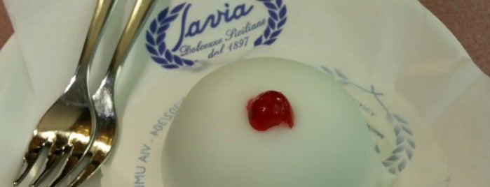 Pasticceria Savia is one of Inci 님이 좋아한 장소.