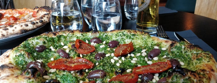 Pizzeria Luca is one of Sallaさんの保存済みスポット.