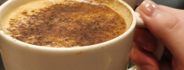 Starbucks is one of Mylppy'ın Beğendiği Mekanlar.