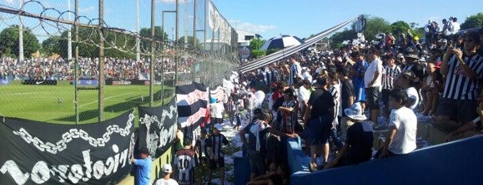 Estadio Dr. Nicolás Leoz (Club Libertad) is one of Aqui na terra tão jogando futebol.