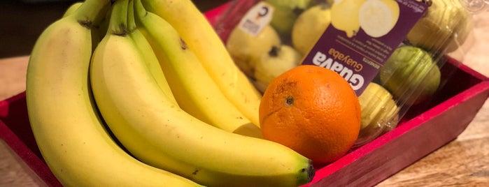 Mulberry Fruitstand is one of Posti che sono piaciuti a Michael.