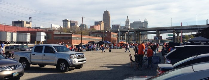 Bengals Tailgate At Longworth is one of Lieux qui ont plu à Joe.