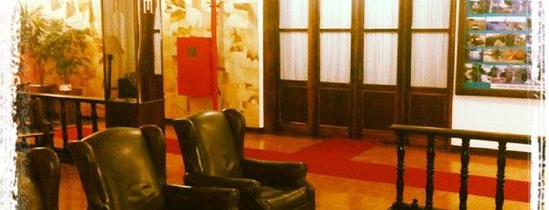 Hotel Itararé is one of Orte, die Maria gefallen.