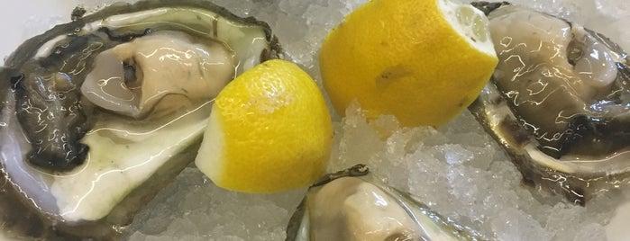 Oyster and Sushi Bar Bota Split is one of Tempat yang Disukai Michael.